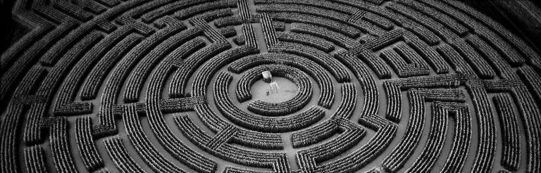 415736-labyrinth-wallpaper